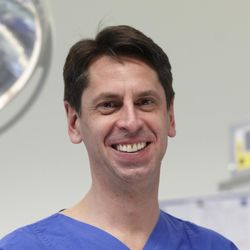 Dr. med. T. Bertolini
